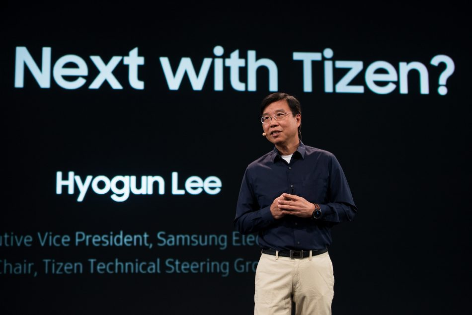 Hyogun Lee, Executive Vice President of Samsung Electronics and Chair of the Tizen Technical Steering Group, announcesTizen 4.0 at the Tizen Developers Conference 2017.