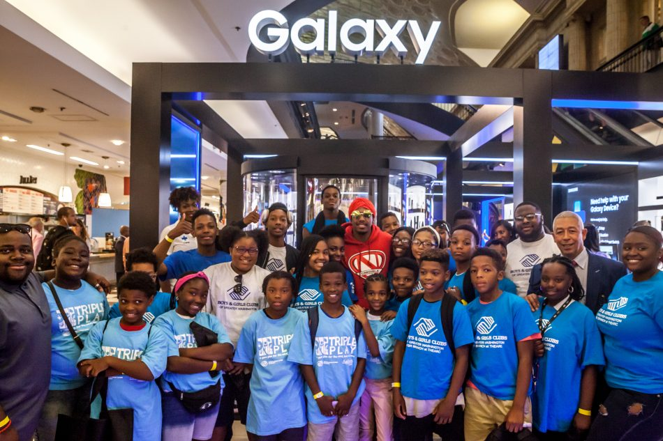 Nick Cannon and members of the Boys & Girls Club of Greater Washington get a hands-on experience at Samsung's Galaxy Studio D.C.