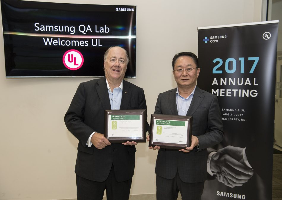 On August 31, 2017, UL's Chief Executive Officer, Keith Williams presents YH Eom, Executive Vice President & Deputy Head, Samsung Electronics North America, with a plaque signifying the achievement of UL ECOLOGO Gold Certification to the UL 110 Standard for Sustainability for Mobile Phones for the Galaxy S8/8+ phones and their inclusion in the EPEAT registry.