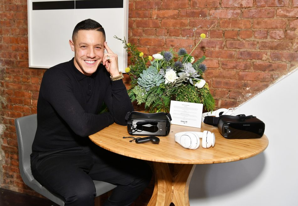NEW YORK, NY - DECEMBER 11: Theo Rossi experiences Samsung Gear VR during a party to celebrate the products two year anniversary on December 11, 2017 in New York City. (Photo by Dia Dipasupil/Getty Images for Samsung)