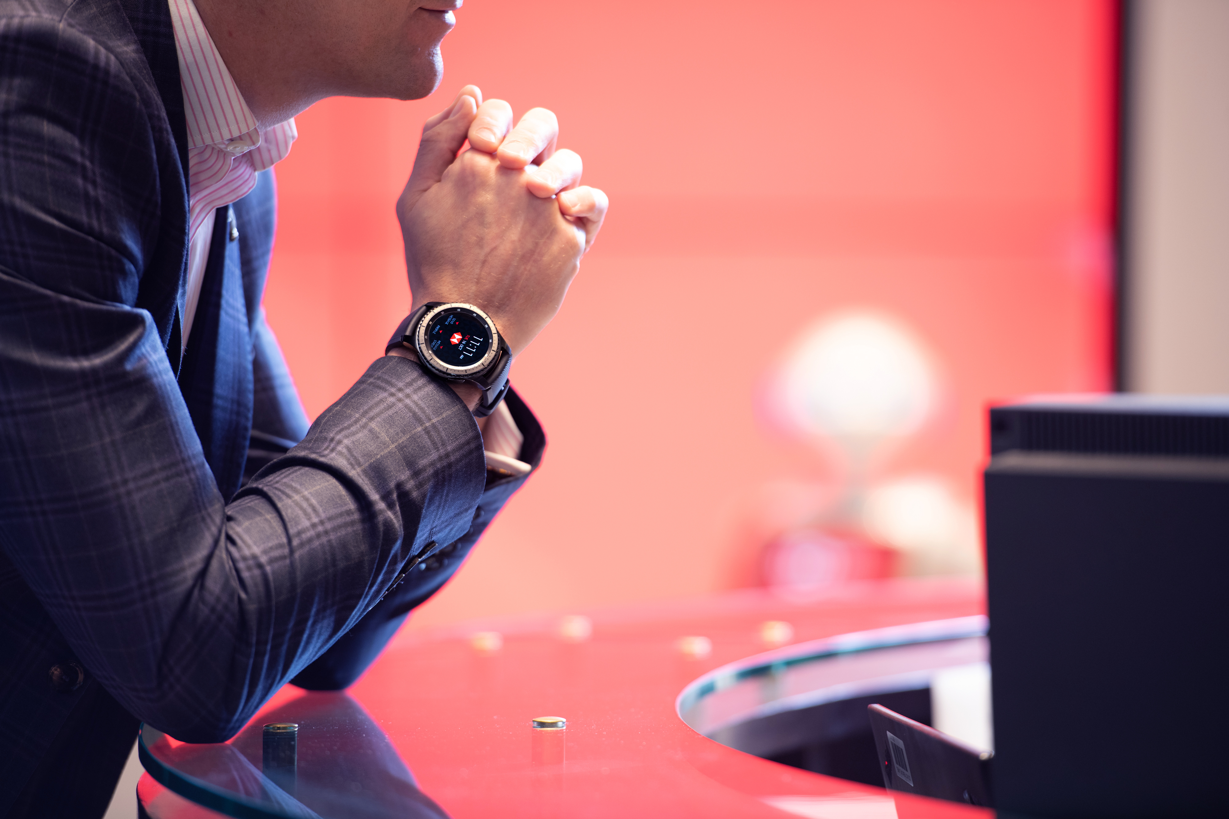 HSBC Bank and Samsung Launch Wearable Technology in HSBC's Flagship
