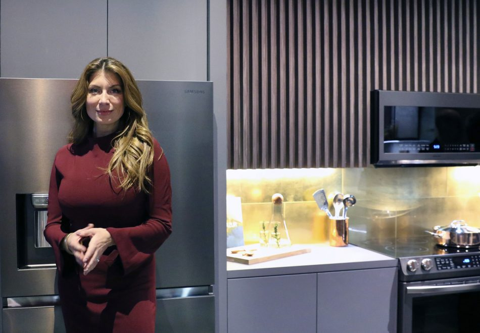 Samsung partners with Netflix''s Stay Here Host and Interior Designer Genevieve Gorder to Introduce New Tuscan Stainless Appliances at the Kitchen and Bath Industry Show (KBIS) 2019 at the Las Vegas Convention Center on Tuesday, Feb. 19, 2019. (Bizuayehu Tesfaye/AP Images for Samsung)