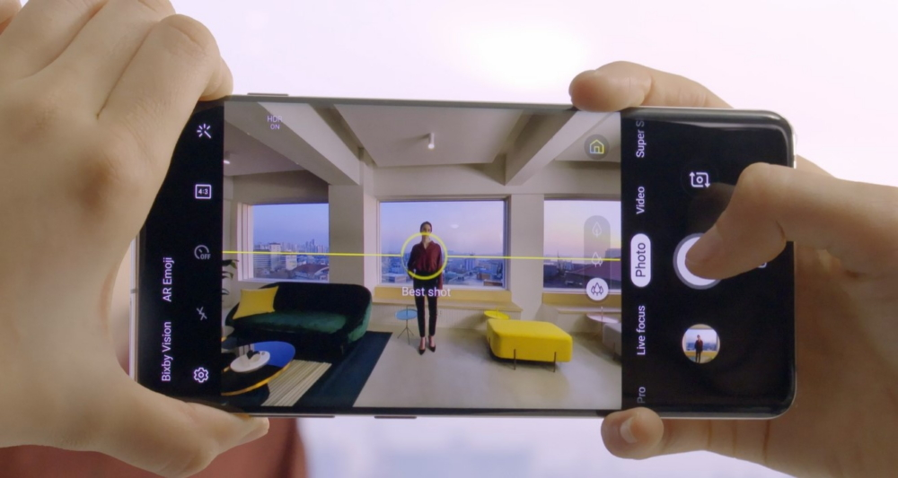 Spectacular Shots Made Simple: The Galaxy S10's Groundbreaking