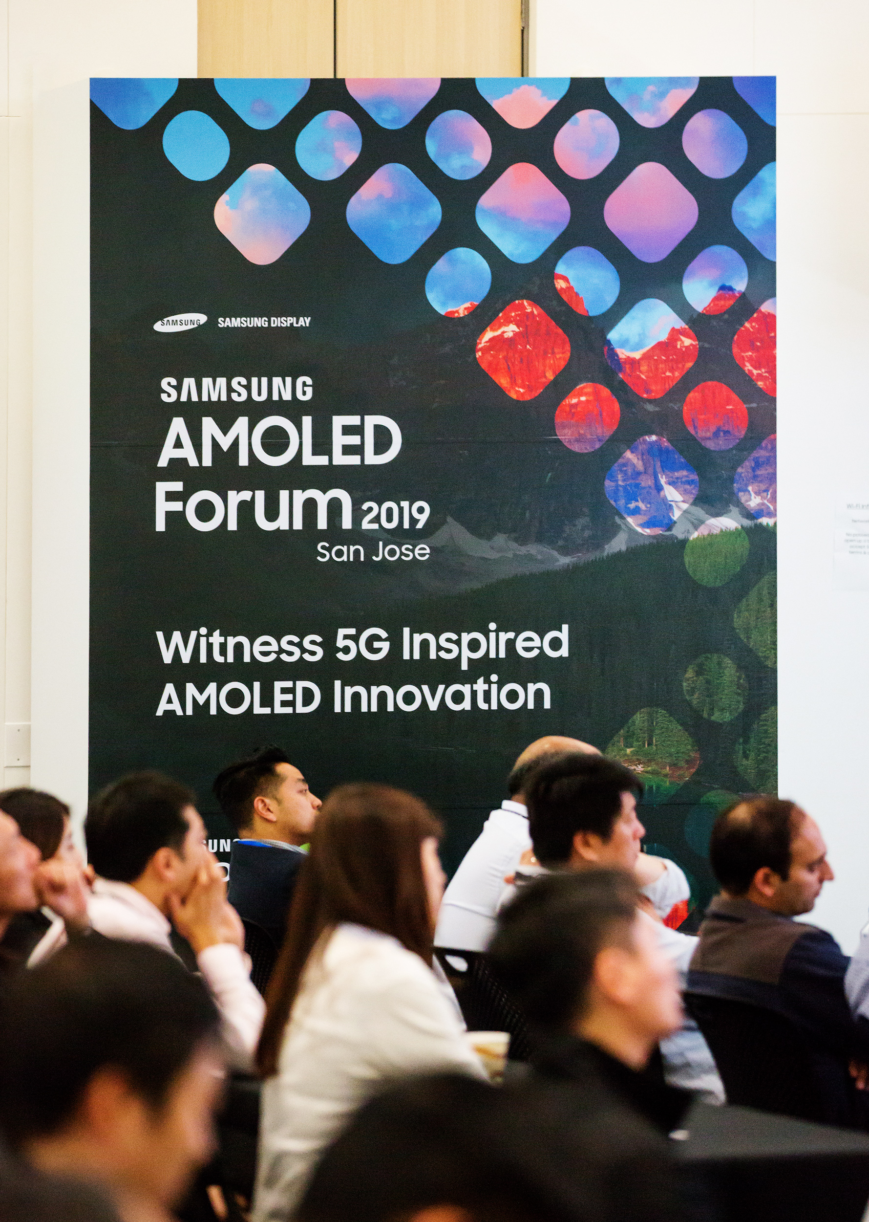 Samsung Display to Expand Its AMOLED Business into Major IT Markets