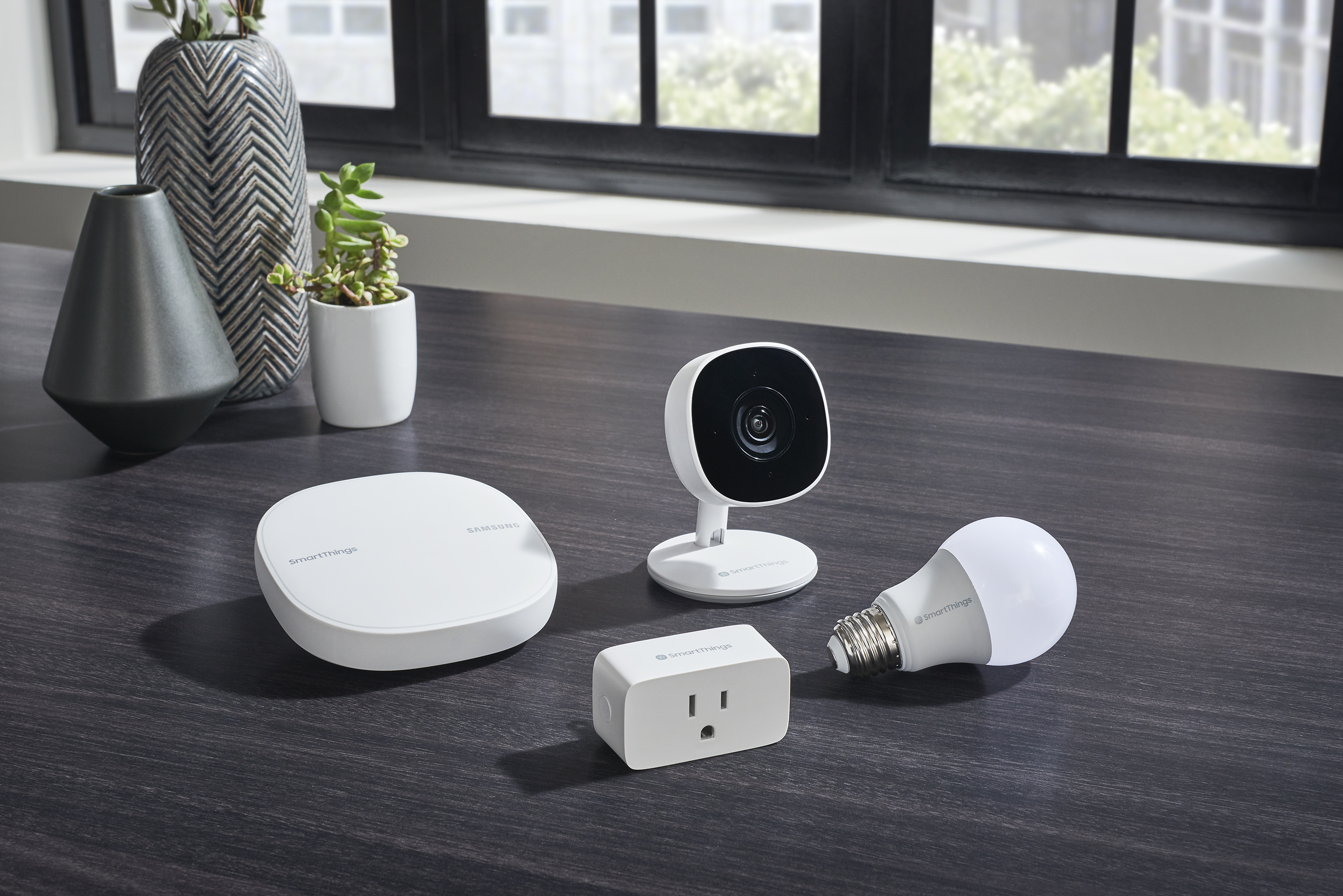 SmartThings Expands Home Monitoring with New Smart Camera and Brings Wifi Smart Plug and Smart Bulb to Platform