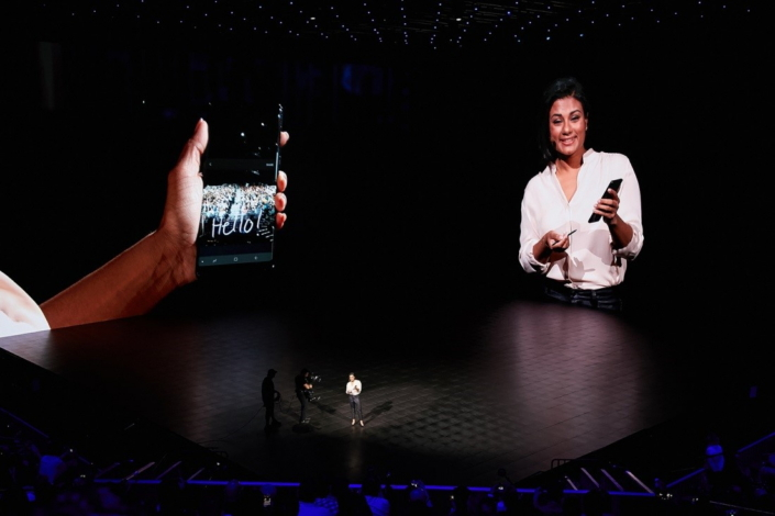 Event participants watch De Silva give a demonstration of the Galaxy Note8's new Live Focus feature, which lets users adjust the background blur of a photo before and after it's taken, as well as its Live Message function which lets them create a personalized GIF with the S Pen.