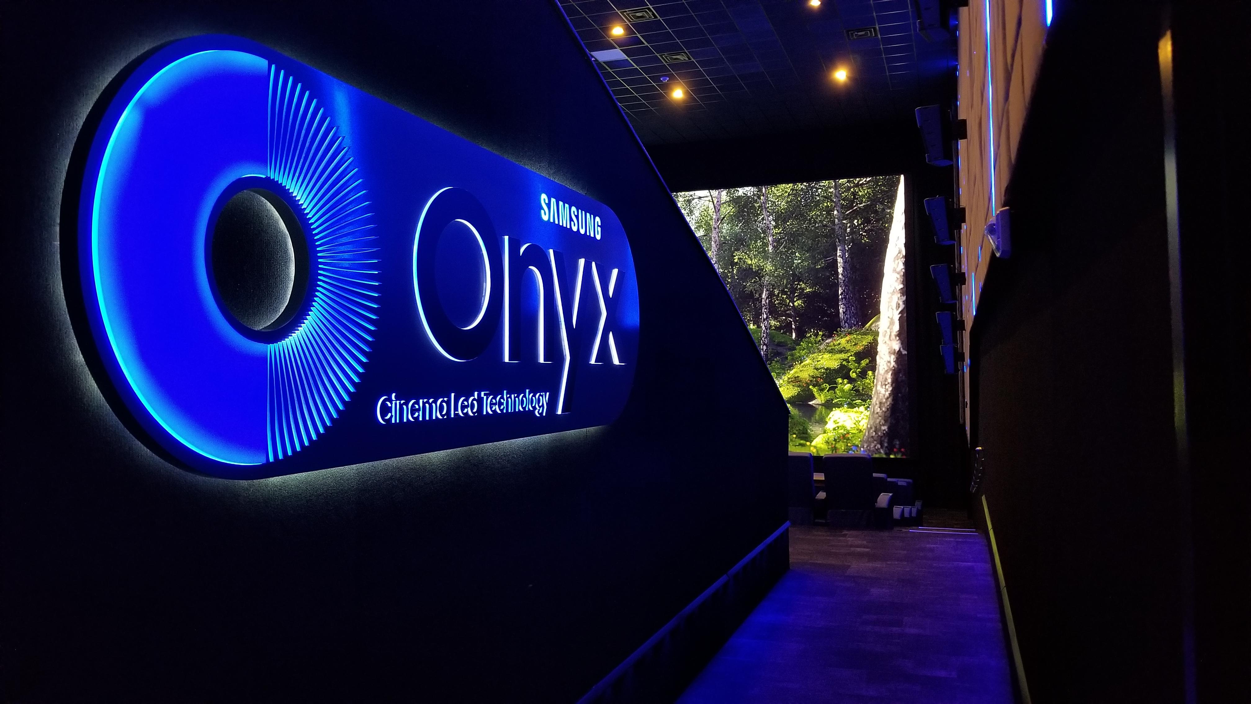 Samsung Onyx at Star Cinema Grill_093906