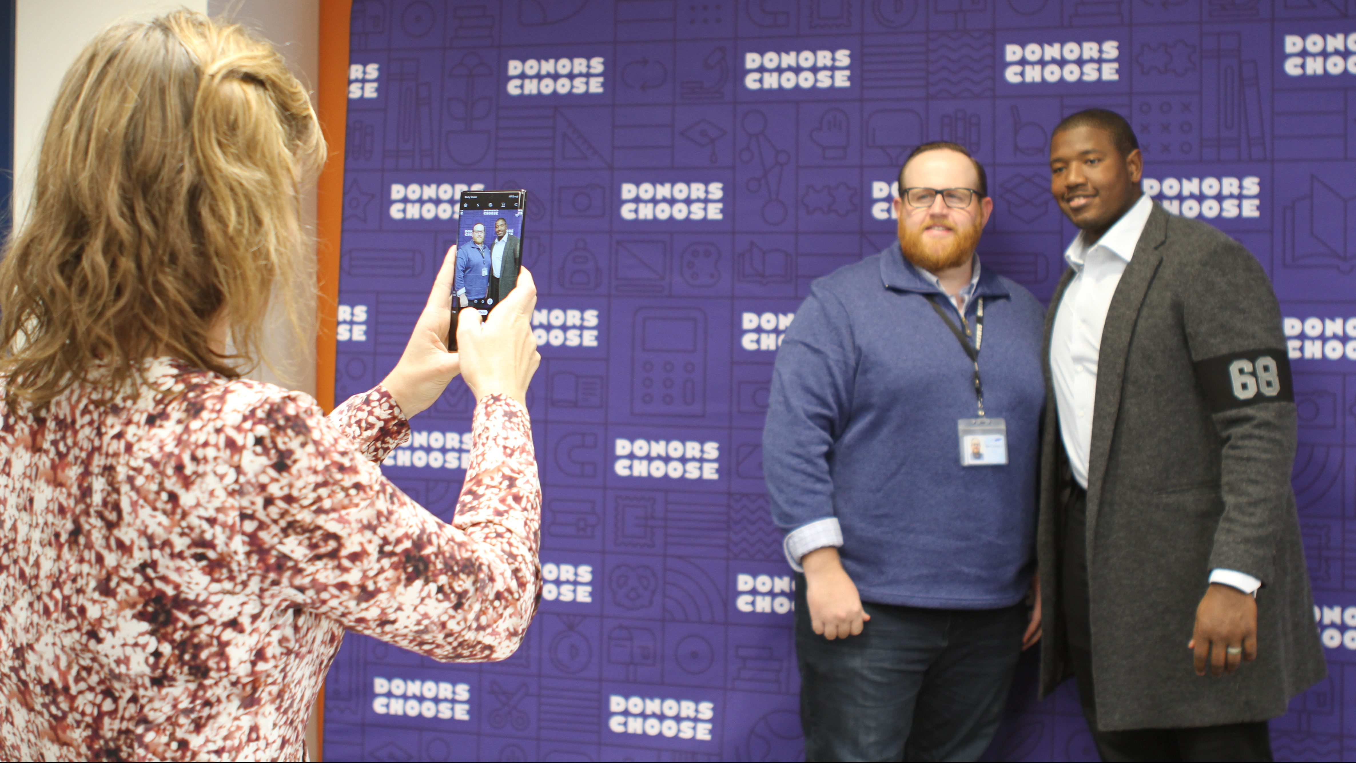 Kelvin Beachum with Samsung employees