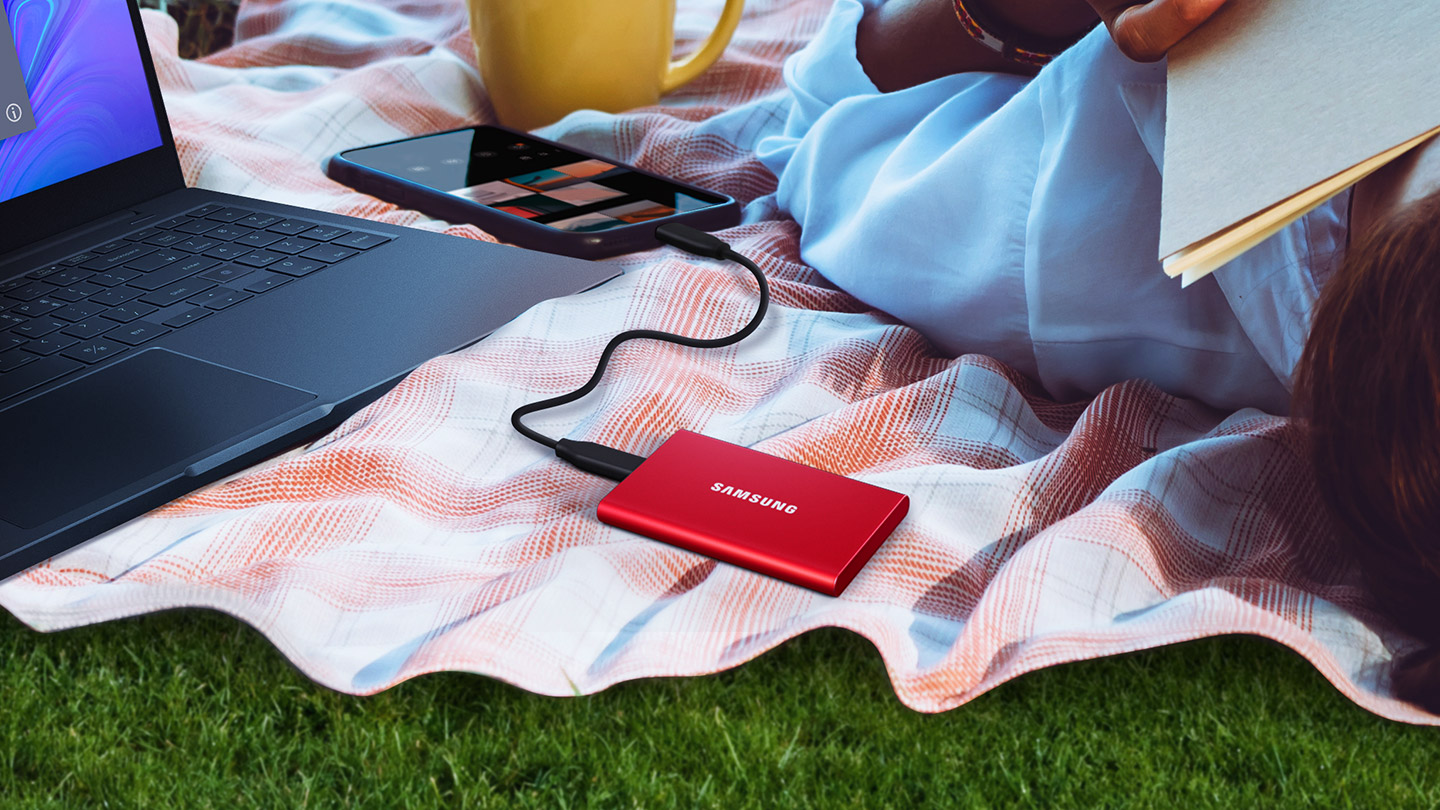 Metallic Red T7 SSD