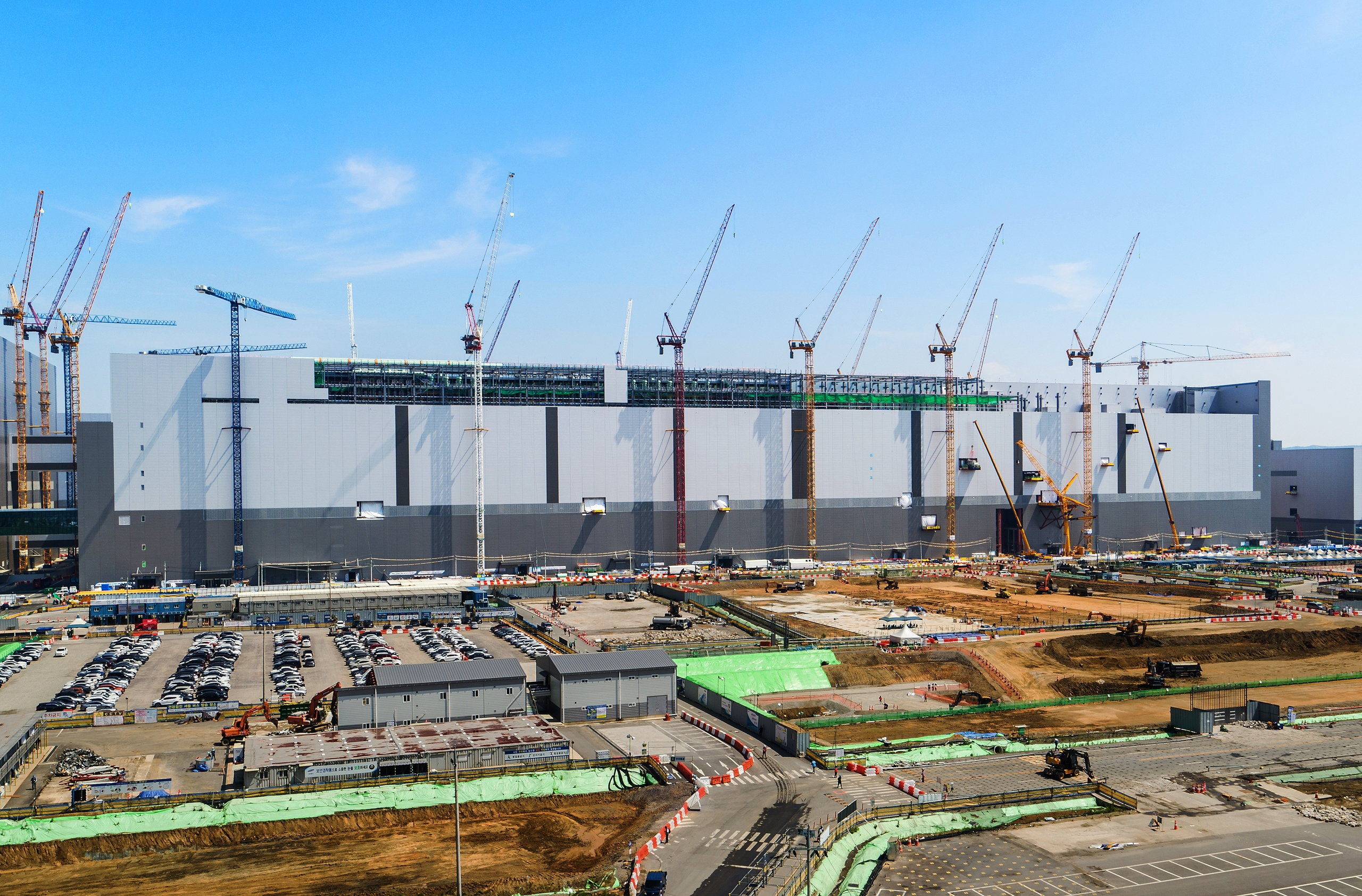 Located inside Pyeongtaek's Line 2 in Korea, the new facility is slated for mass production in 2H 2021 The facility will be dedicated to manufacturing Samsung's most advanced V-NAND memory