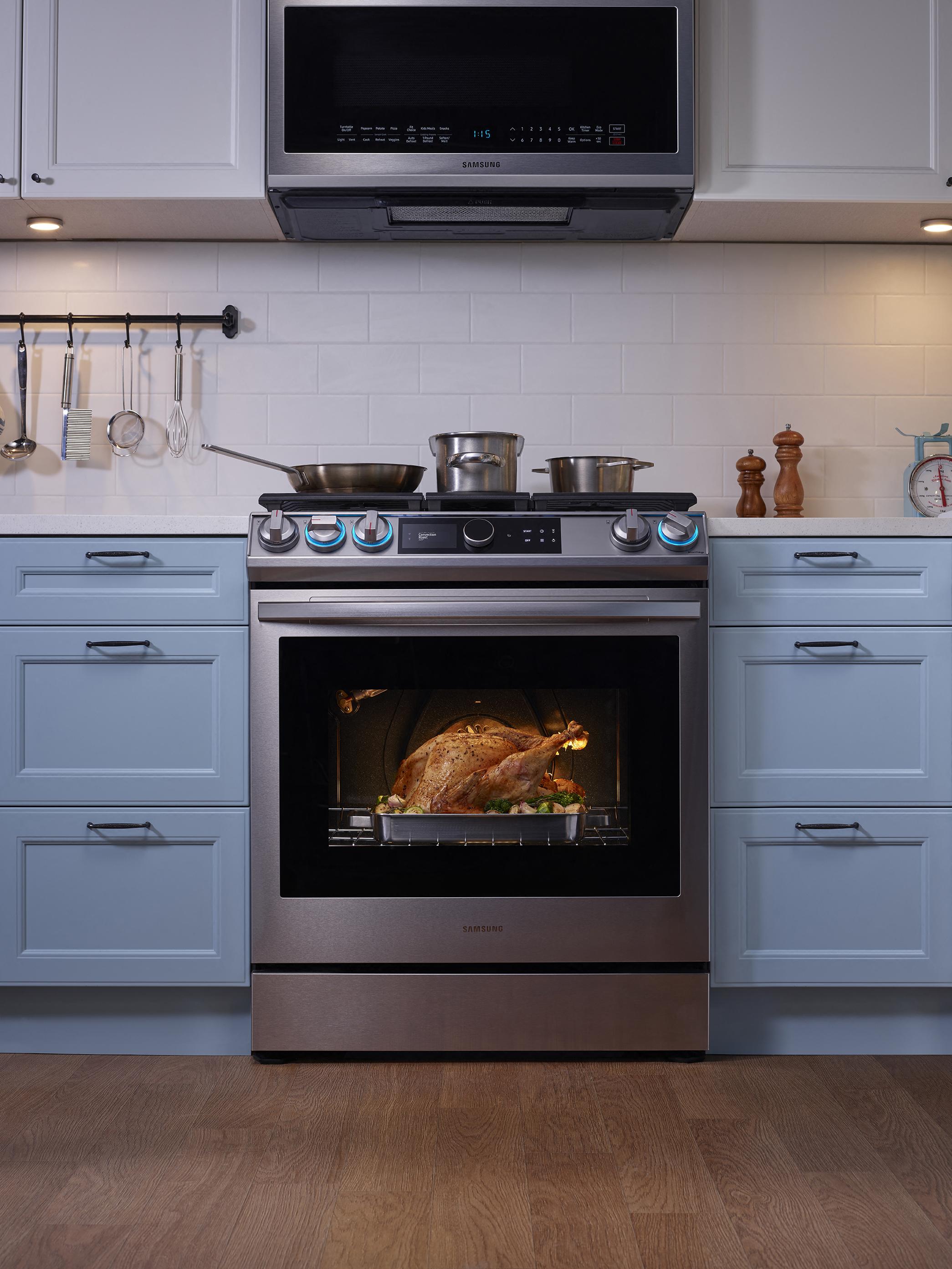 2020 Holiday Gift Guide - Home Appliance - Slide-in-Range